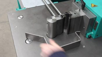 Applications and benefits of wire bending machines
